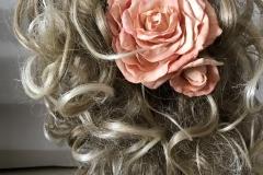 """№151. Шпилька для волос """"Нежно коралловая роза с бутоном""""."""