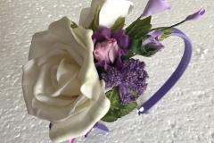 """№134 Обруч """"Белая роза с сиреневыми цветами""""."""